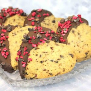 CHOCOLATE & RASPBERRY HEART SHORTBREAD BISCUITS